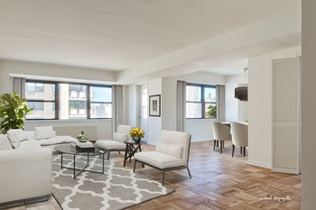 FREE MONTH RENT ULTRA LUXURY STUDIO.PRIME UPPER EAST SIDE ~ Condo Style  Finishes .24Hr Doorman. POOL And GYM SPECTACULAR AMENETIES. NYC At Its Best